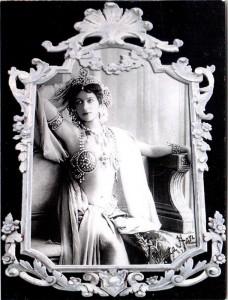 Mata Hari – unbekannte/r FotografIn