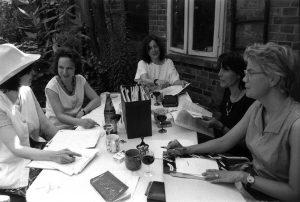 Redaktionsteam in Lüneburg 1996 – v.l.n.r. Irina Mamula, Ira Lorf, Evelyn Kuttig, Cynthia Schwab und Silke Weniger