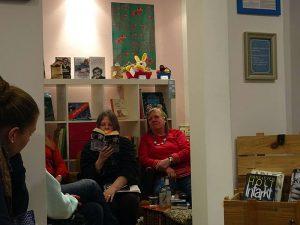 Lesung im Jussi in Hamburg - Gabriele Haefs und Christel